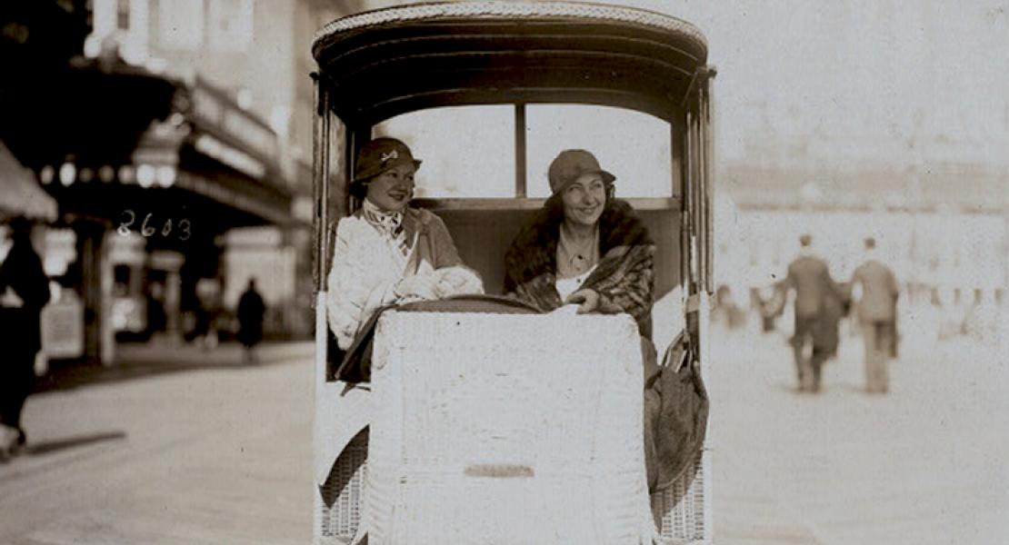Actresses Queenie Smith (left) and Louise Groody