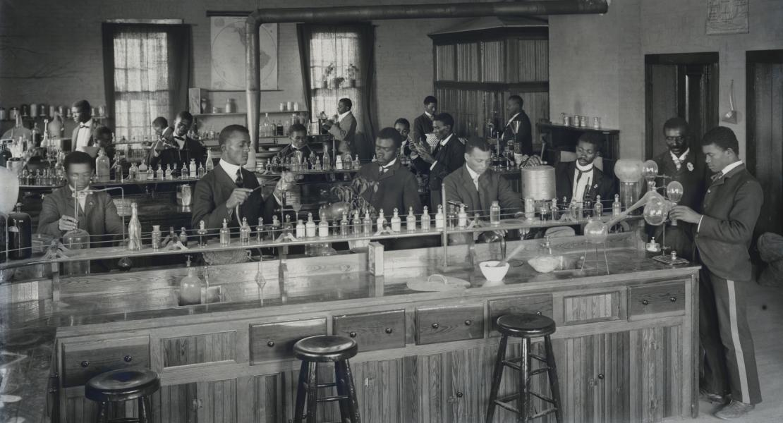 Carver's laboratory at Tuskegee. [Library of Congress, Prints and Photographs Division, LC-DIG-ds-05586 DLC]